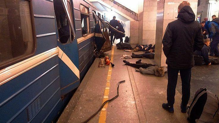 Estações atingidas ficam no centro da cidade, que é a segunda maior do país. Há pelo menos cinquenta feridos Dezpessoas morreram e cerca de cinquenta ficaram feridas em uma explosão no metrô de São Petersburgo, na Rússia, informou o Ministério da Saúde.   #deixa dez mortos #Explosão no metrô de São Petersburgo #na Rússia