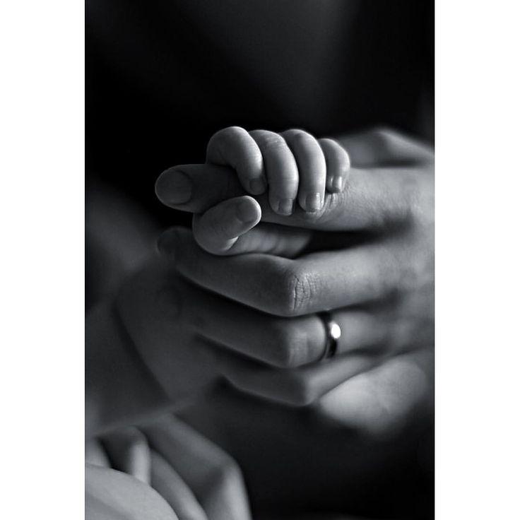 #babyhands #baby #babygirl #babyphoto