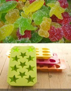 Receta de caramelos de goma caseros http://fiestasycumples.com/receta-de-gominolas-caseras-%C2%A1es-facilisimo/
