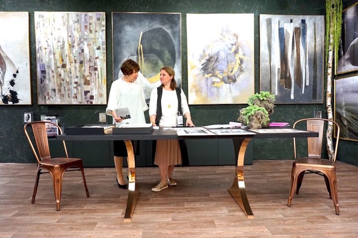 Great to see the Paris dining table used so beautifully at the Quintessa Art Decorex stand