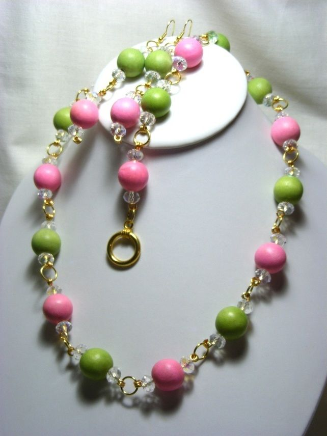 Pale Green and Pink Wooden Jewellery Set £18.50