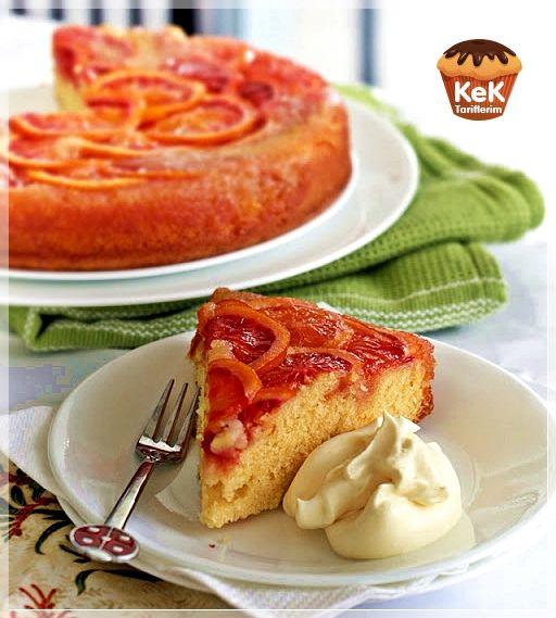 Islak keki duymuşsunuzdur. Peki Portakallı Islak Kek tarifini duymuş muydunuz? Pek lezzetli olduğunu söyleyebilirim. Islak oluşuyla da ayrı bir aroması var.