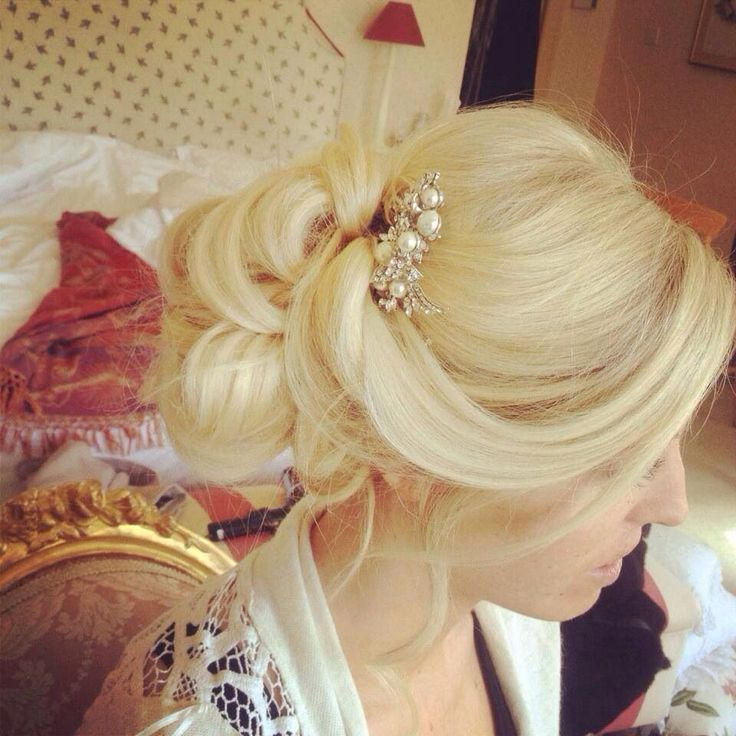 Vintage romantic bridal hair up