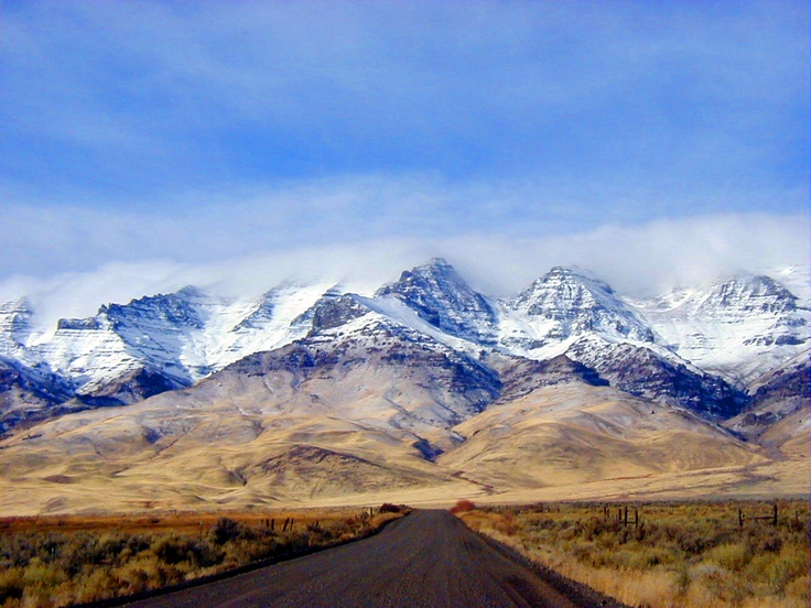 Steens Mountains, Eastern Oregon. Will visit here soon...and look for the wild mustangs!