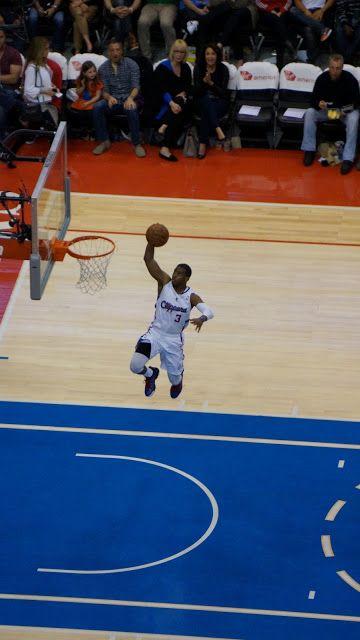 Match de basket : Les Clippers contre les Suns de Phoenix ! (ahah...)   Il est 20h à Los Angeles