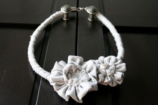 Tutorial collar de flores de trapillo