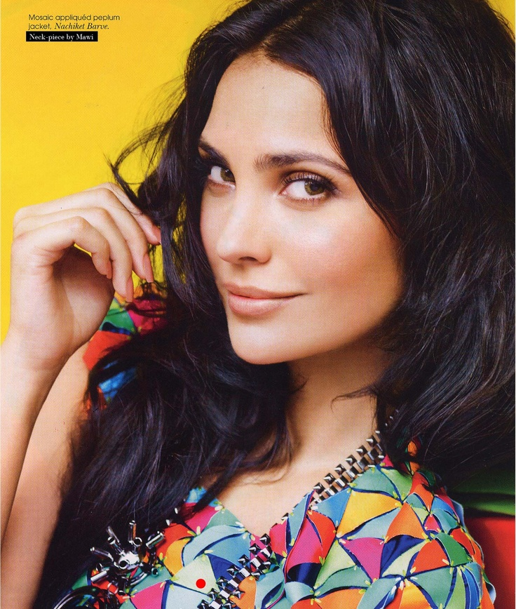 Lara Dutta Bhupathi (born 16 April 1978) is an Indian Bollywood actress who was Miss Intercontinental 1997, Miss Universe 2000. Dutta was born to a Punjabi father and an Anglo-Indian mother. Composer and DJ Nitin Sawhney is Dutta's cousin. She is fluent in English and Hindi but can speak Punjabi, Kannada, and French. She married Indian tennis player, Mahesh Bhupathi in 2011 and they have a daughter.