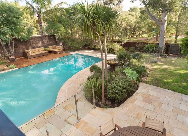 A glass pool fence that protects without obstructing the view? Must be Everton Glass Pool Fencing.