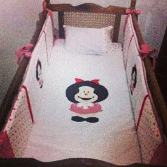 https://flic.kr/p/p8ye1M | Kit de berço Mafalda | Parte da encomenda para enfeitar o quartinho da Lis, de Jaguarãi/RS.  #mafalda #enxoval #kitdeberço #trocador #almofadadeamamentação #encomendafofa #quartodebebe #bebê #nascimento #decoração