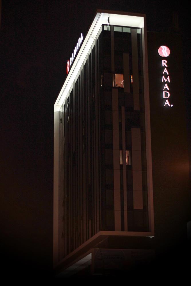 night hotel by mircea.fotograf.az