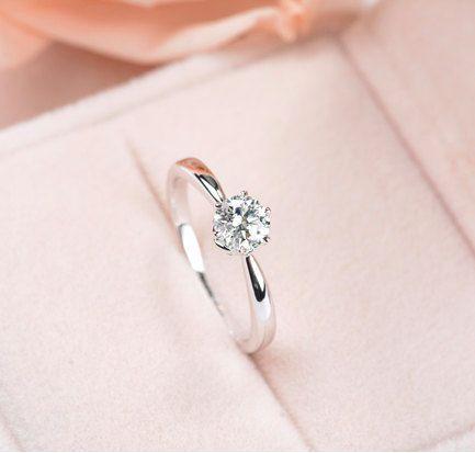 Sechs Prong Pave Moissanite und Diamant-Verlobungs…