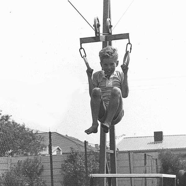 Agnes Wenham : Posture promoting equipment for school children (Orthotoys) : Cableway