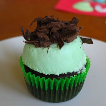 Grasshopper pie cupcakes.Cupcakes Recipe, Cake Desserts, Chocolates Cupcakes, Mint Chocolate, Fast Recipe, Angels Food Cake, Dinner Recipe, Grasshopper Pies Cupcakes, Grasshopper Cupcakes