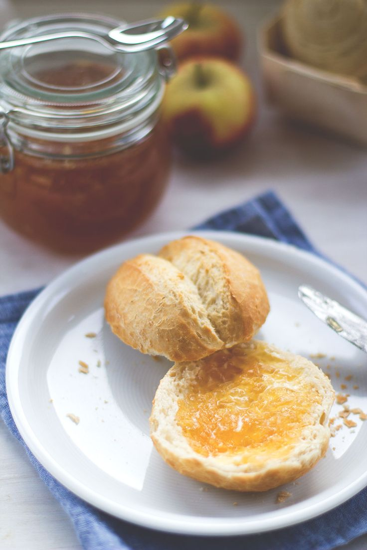 Apfel-Karamell-Konfitüre ohne Gelierzucker von moeyskitchen.com