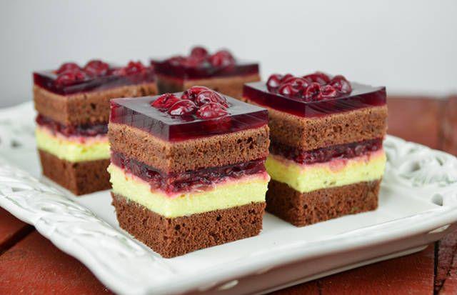 Nejlepší višňový koláč s pudinkem, lepší zákusek jste ještě nejedli! | ŽenaDoma