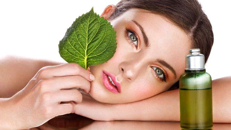 La piel tiene memoria y los excesos cometidos en la juventud se manifiestan en la edad adulta en forma de arrugas, manchas solares, flacidez...