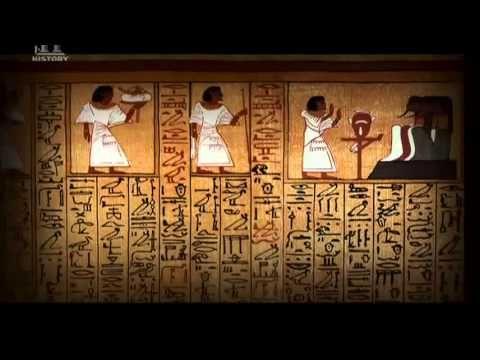 Az egyiptomi Halottas Könyv az ókori egyiptomiak útmutatója a túlvilági élethez, időtlen és titokzatos valószínűleg egyben az emberiség első vallásos feljegyzése is, története máig vitatott. Az egyiptológia iránt érdeklődők számára ez nem tartalmaz újdonságot, csak kellemes időtöltést.