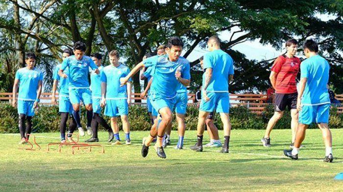 Lawan Madura United, Asisten Pelatih Arema FC Buka Peluang Mainkan Skuad Mudanya
