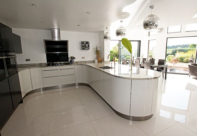 Best A Curved Kitchen Peninsula Requires A Large Space But 400 x 300