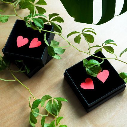 Sydän-nappikorvikset, neonkoralli, suuret | Weecos    Heart earrings, laser cut. Sustainable choice! Made in Finland.