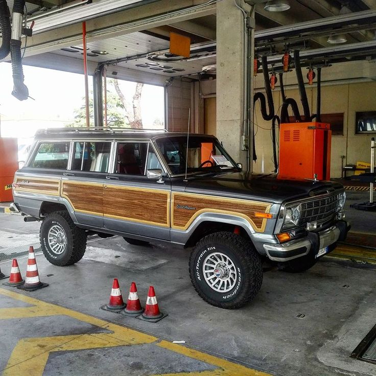 91 final edition grey jeep wagoneer vintage jeep