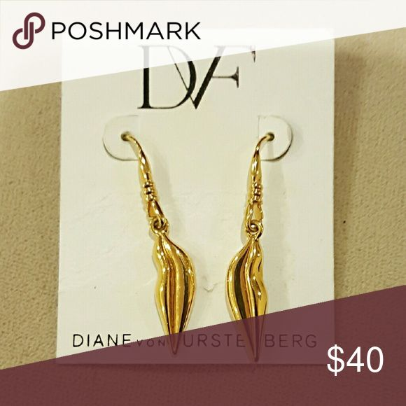Diane von Furstenberg Metallic Lips  Earring These fabulous DVF earrings are crafted from yellow gold-plated brass and detailed with the designer's signature lips motif at the end. Yellow gold-plated brass. Lips motif. Black logo-engraved back detail. Hook fastening, suitable for pierced ears. Drop length 1.5in/5cm. Great Christmas gift, or stocking stuffer. Diane von Furstenberg Jewelry Earrings
