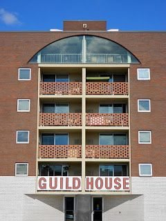 5 Tokoh Arsitektur Postmodern dan Karyanya