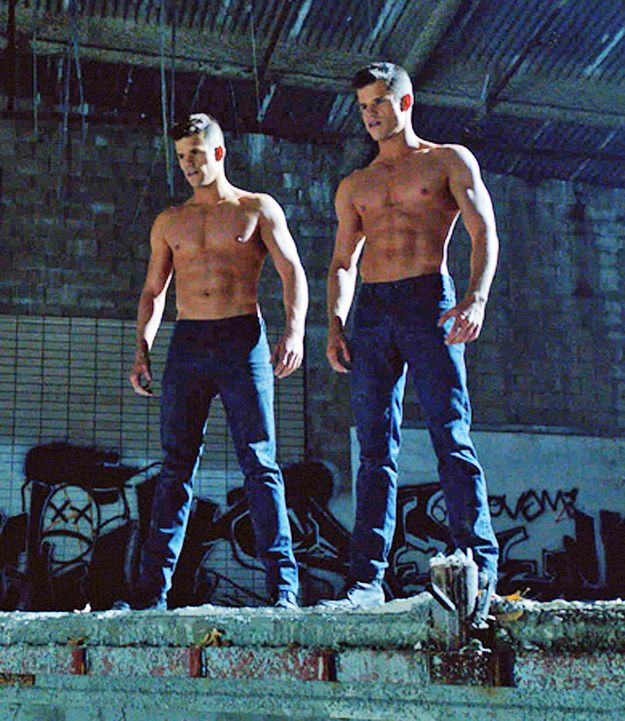 Where they play basically the hottest twins on television.