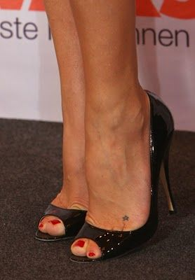 Tattoo Ideas Blog, Celebrity Tattoos, Girls Guys Body Art Pictures: Foot Tattoos – 🌼 Miss • Zielke 🌼