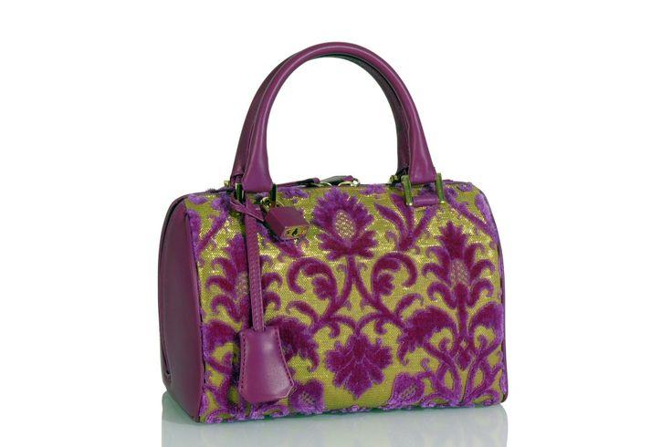 "GONDOLINO handbag, made of silky ""Rinascimento"" velvet (front), ""Gonzaga"" velvet (back) and ""Taccheggiato"" velvet (aside). Silk lining and many pockets inside. Opening with wide accordion. Leather handles. Design and concept @ Chiara Pizzinato Atelier"