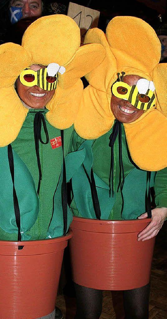 Die Sonnenblumen und die Piraten erhie...rsten Preise für ihre tollen Kostüme.   | Foto: Fotos: Karin Heiss