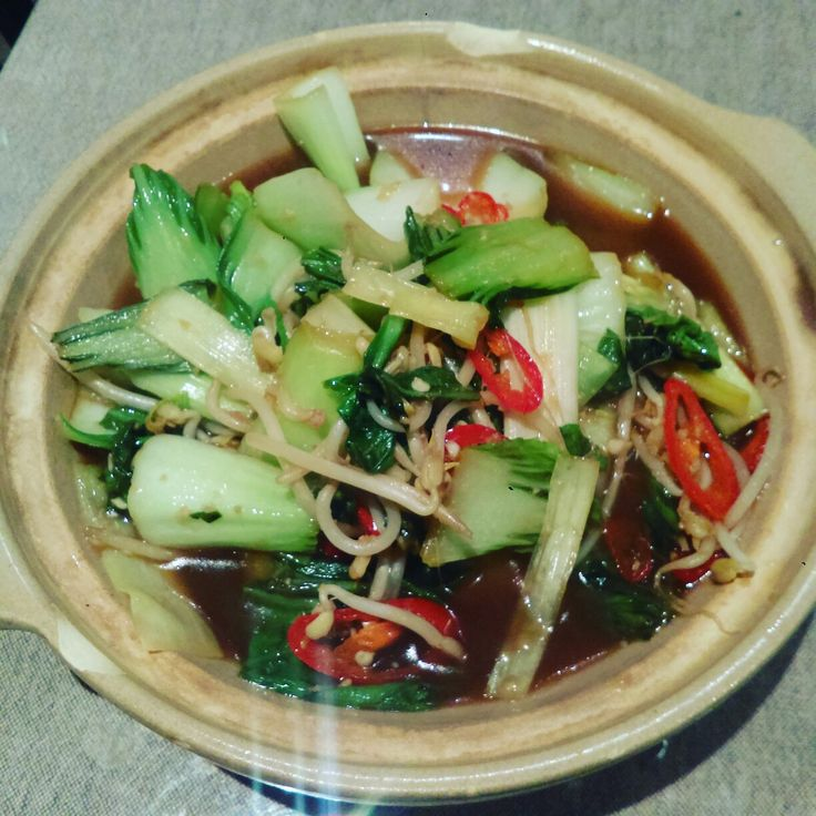 Sautéed #leek, #bokchoy, beansprouts and red chillies in garlic, ginger, soy and salt reduced beef stock