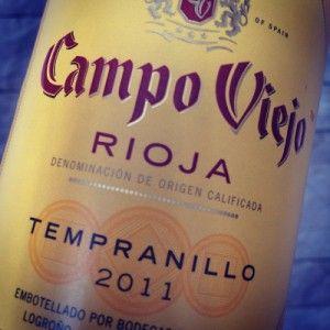 Eine echte Empfehlung, gefunden bei REWE:   Campo Viejo Rioja 2011 für 5,99€  http://www.weinbilly.de/rotwein-2/campo-viejo-rioja-2011-kraftigfruchtiges-schnappchen