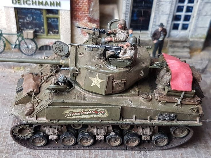 "Creighton Abrams Sherman M4A3E8 ""Thunderbolt VII"" diorama 1:72 scale"