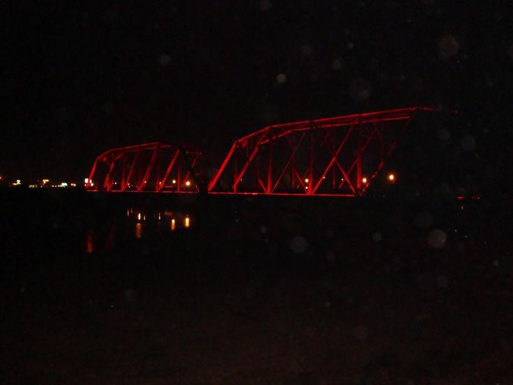 Puente negro iluminado culiac n sinaloa m xico for Villa bonita violeta