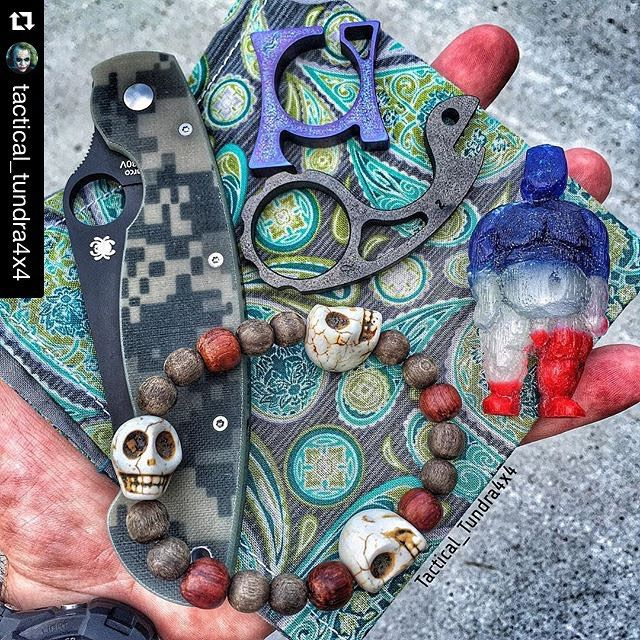 Repost @tactical_tundra4x4 with @repostapp. ・・・ Dinner dump with my new #StacheSmasher from my bro @hanksbyhank ! 👊🏻🙌🏻 #pocketdump #everydaycarry #edcgear #knifecommunity #Spyderco #military...