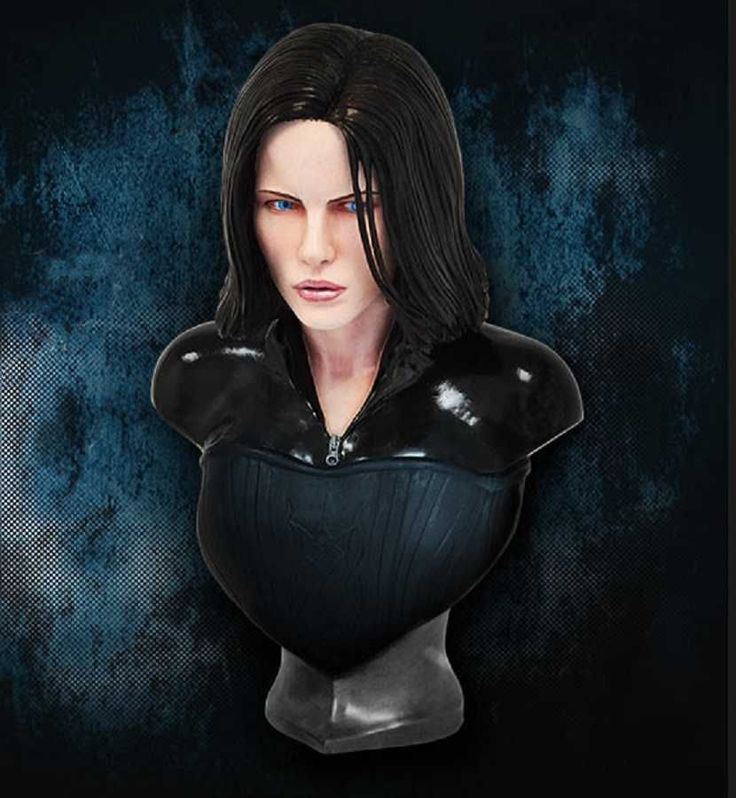 From the blockbuster Underworld movies we are proud to present this magnificent life-size bust of Selene from Hollywood Collectibles Group PRE-ORDER