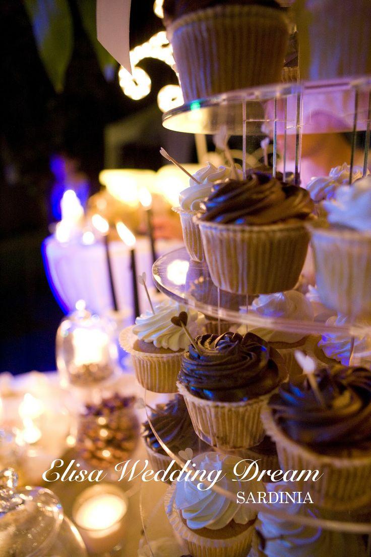 Sweet Buffet| Wedding Cupcake| http://elisaweddingdream.blogspot.it/2012/12/real-wedding-sonia-e-pierpaolo.html