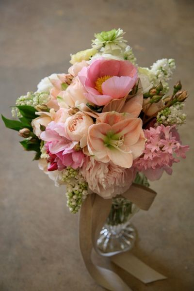 1000 images about peach bouquets on pinterest carnation for Amaryllis rose