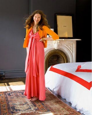 Jenna Lyons: Duvet Covers, Brooklyn Townhouse, Jennalyon, Jenna Lyons, Beds Linens, Oriental Rugs, Black Wall, Dark Wall, Red Beds