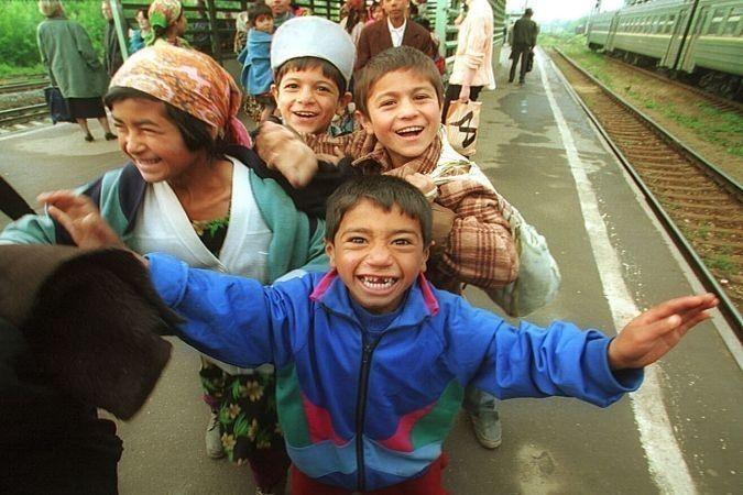 Греция: международная премия «Dosta» за социальную интеграцию детей рома http://feedproxy.google.com/~r/russianathens/~3/M1DcNxAPhXQ/23487-mezhdunarodnaya-nagrada-munitsipalitetu-volosa-za-sotsialnuyu-integratsiyu-detej-roma.html  Среди трех европейских муниципалитетов, получивших премию «Dosta» от Конгресса местных и региональных властей Совета Европы, находится муниципалитет города Волос (Греция). Награда была присуждена на торжественном мероприятии в штаб-квартире Европейского парламента…