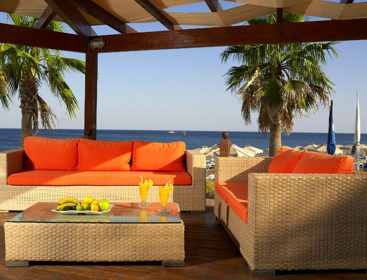 Poseidon Beach Bar - just a few footsteps away from the shore you will find the perfect place to refill your energy through a wide choice of refreshments, alcoholic beverages and light snacks