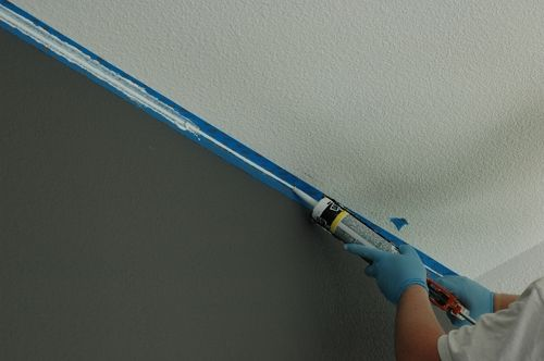 How to paint perfect ceiling lines