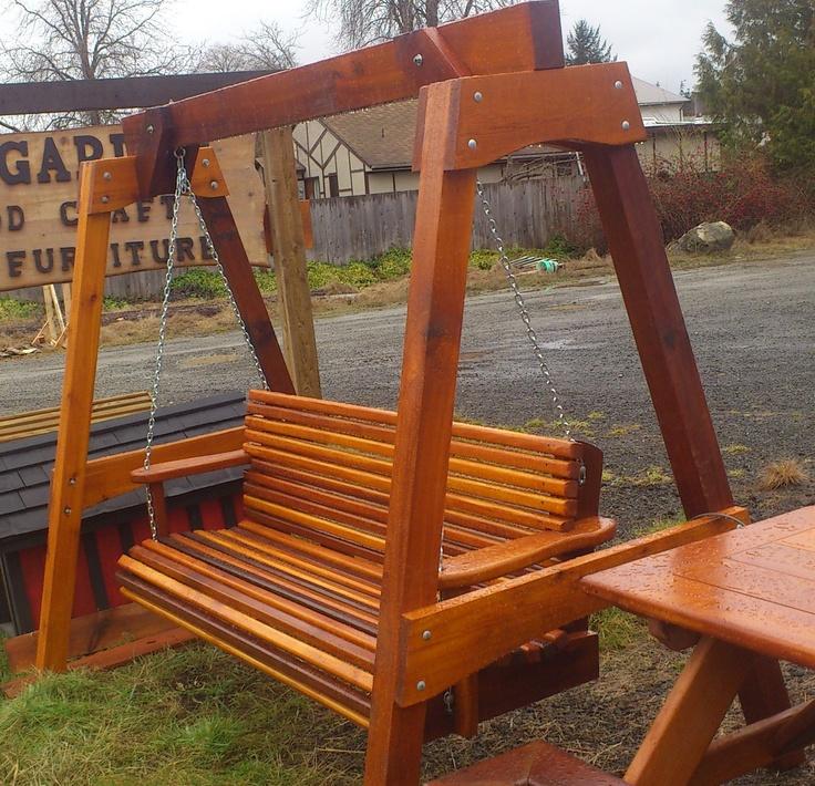 cedar swing / balançoire en cèdre  made by / fait par: SG garden woodcraft & furniture