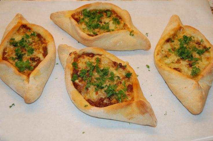 Saras madunivers: 2 retter i en - Tyrkisk pizza og spaghetti med kødsauce :-)