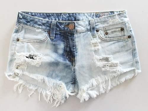 Купить рваные джинсовые шорты
