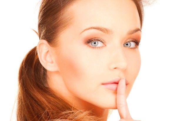 4 kosmetické procedury, které ženy nikdy nepřiznají. O tomhle muži nesmí vědět!