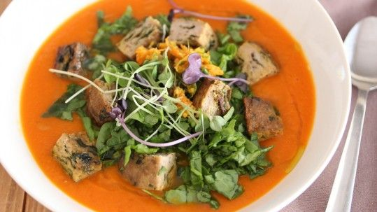 Carrot & yam with ginger, turkey, spinach, and sprouts.