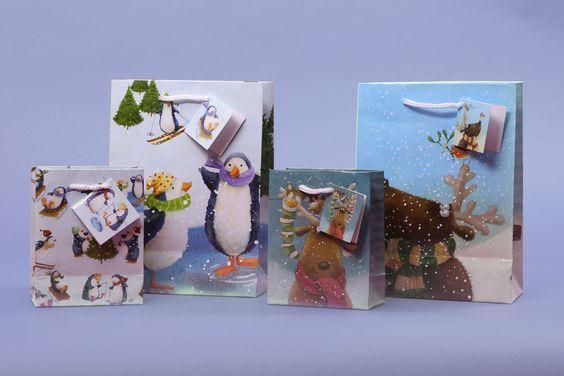 Vánoční dárkové tašky v různých velikostech, s motivy od Jan Pashley #vanoce #christmas #wrap #giftideas