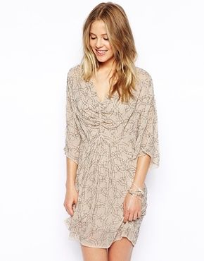Needle & Thread provides us with an Embellished Geo Dress with Kimono Sleeve that you'll look stunning in. #Asos #TreatYourself #StyleAndPanache